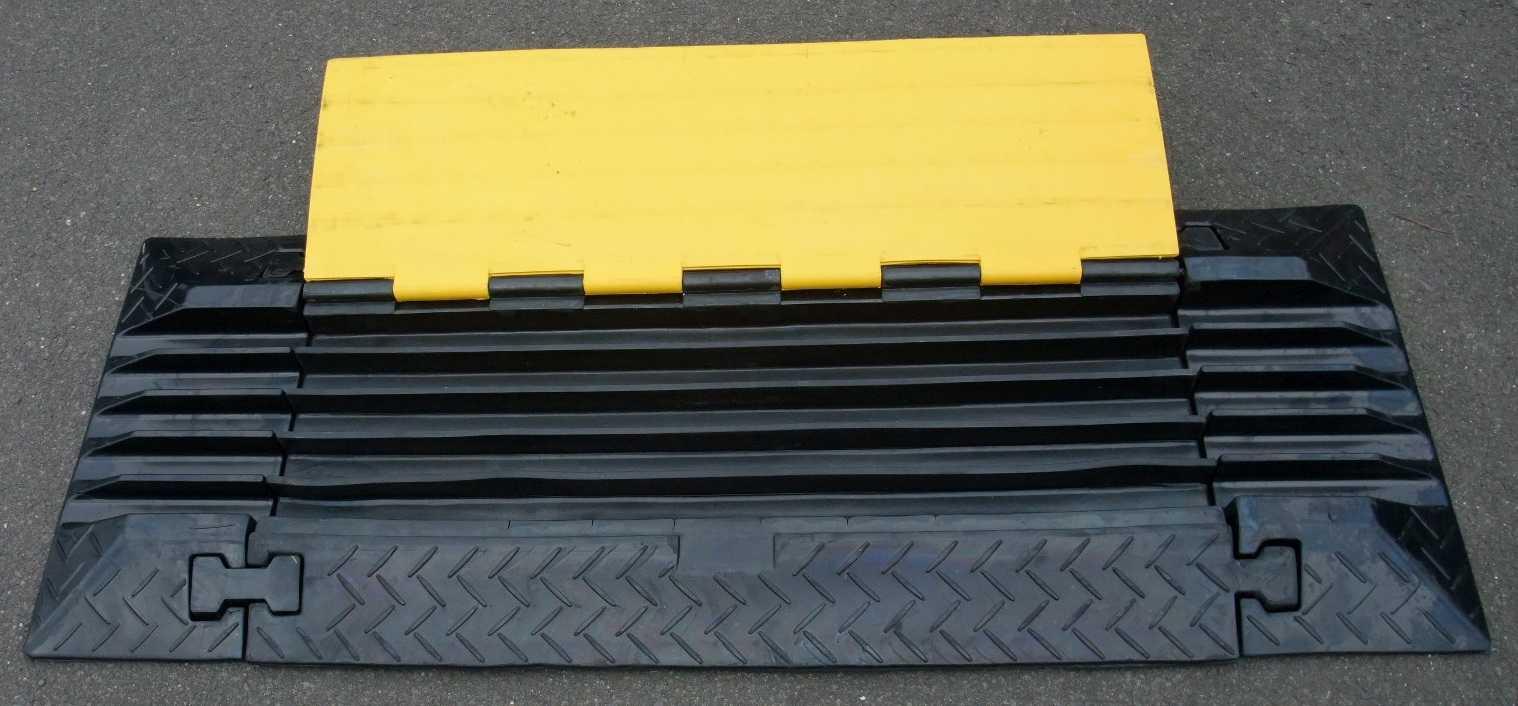 Kabel, Leitungen & Stecker 2er Set Endstück Für 5 Kanal Kabel Brücke Cable Board Überfahr Schlauch Rampe Musikinstrumente