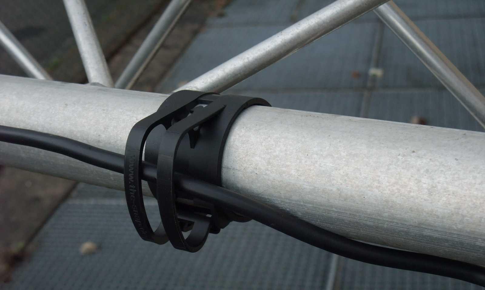 Befestigungs Klammer Schelle THE SNAP light Grau Kabel Klemme für Truss Rohr